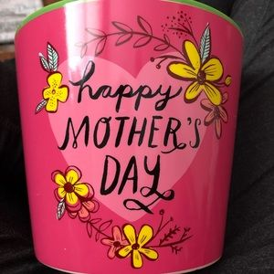 NWT Happy Mother's Day Hallmark Planter and Tissue